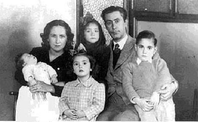 Fam__lia Calduch_ La dona Maria Teresa Bellido_ Arxiu CPBot__nic Calduch de Vila-real.jpg