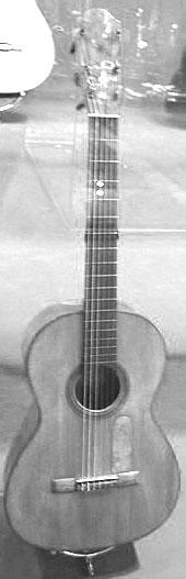 402px-Guitarra_de_Torres.jpg